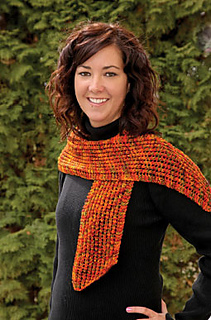 Diagonal-lace-scarf_small2