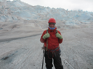 Mittens_on_the_glacier_me_small2