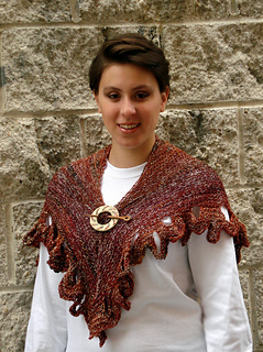 Ql_whitsunday_knit_butterfly_shawl1_small2