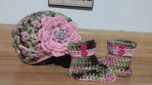 Ravelry Cuffed Baby Booties Pattern By Wooly Wonders Crochet