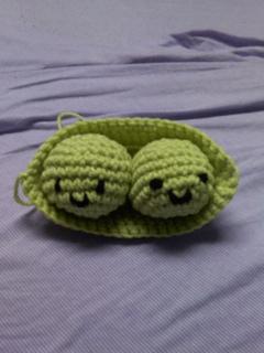 Peas_in_a_pod_small2