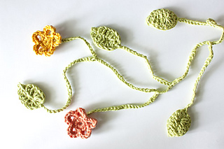 Ravelry Flowers With Leaves Pattern By Nicolina Lindsten