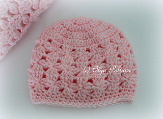 Pink_clusters_baby_hat_small2