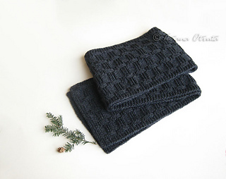 _img_5673_grayscarf_small2