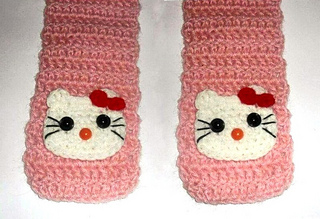 A4_hello_kitty_scarf_small2