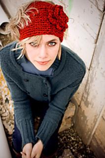 Kaysha_serious_headband_small2
