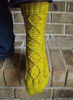 Maple_leaf_cable_socks_007_small2