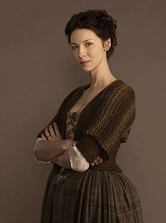 Claire_shrug_outlander_small2