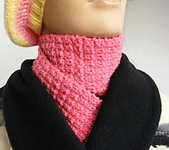 Pink_moonlight_scarf_-_black_collar_2-150c_small