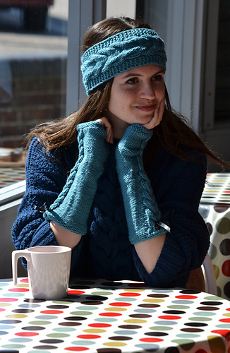 Cabled_headband_and_armwarmers_medium