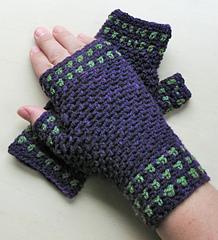 Moss_stitch_gloves_sm_small