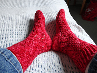 Red_lace_sox_small2