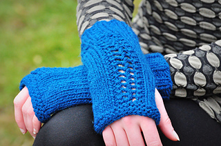 Sm_northwestwools_carverbridgemitts-4_small2