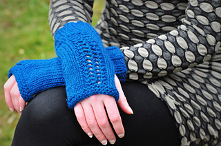 Sm_northwestwools_carverbridgemitts-3_small2