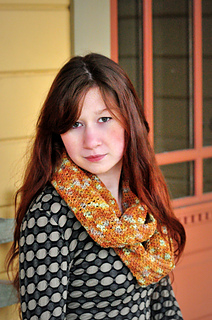 Sm_twisted_sellwoodcrochetedcowl-3_small2