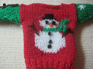 Ugly_christmas_sweater_ornament_004_small2
