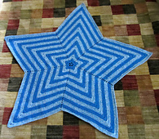 Star Baby Blanket Knitting Pattern : Ravelry: Star Blanket pattern by Bernat Design Studio