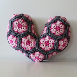 African-flower-pillow_small2