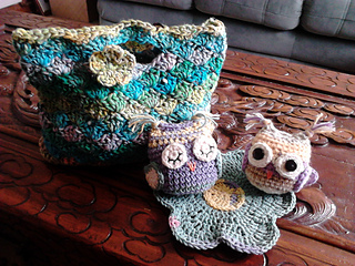 Crochet_owls_and_noro_bag_012_small2