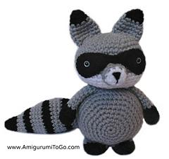 Amigurumi_raccoon_small