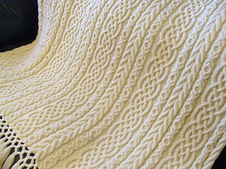 Celtic_aran_afghan_009_small2