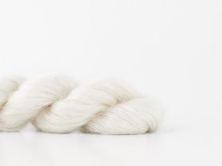 Shibui-knits-yarn-silk-cloud-ivory-2004_small2