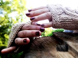 Cabled_handsies_shiri_designs_fingertips_small2