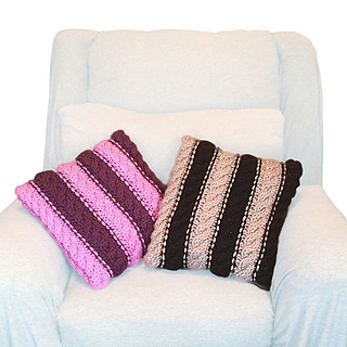 Knitting-pattern-pillows-shiri-designs-chunky-cables-70s-stripes_small2