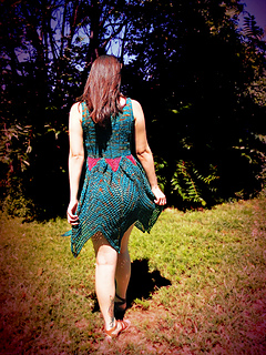 Knitted_faerie_dress_shiri_designs_back_small2