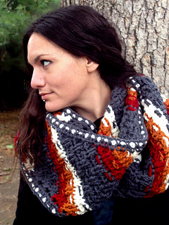 Crochet-pattern-dashing-cowl-scarf-shiri-designs-lookleft_small2
