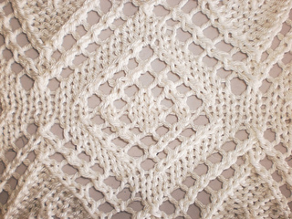 Lace_poncho_vogue_knitting_spring_summer_2011_macro_small2