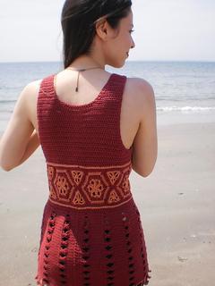 Reina_shiri_designs_summer_2011_back_small2