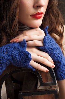 To_the_point_gauntlets_vogue_knitting_holiday_2011_closeup_small2