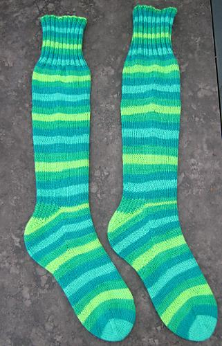 Free Knitting Pattern For Knee Socks : Ravelry: Basic Knee High Toe Up Socks pattern by Leslie ...