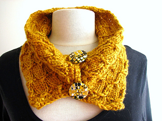 Gold-alpaca-scarf2_small2