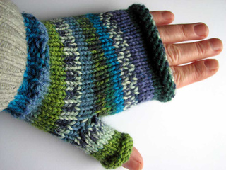 Blue-green-mitts2_small2