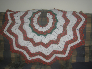 Xmas_tree_skirt_small2