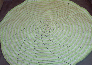 Spiral_baby_blanket_2_small2