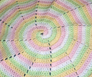 Four_color_spiral_small2
