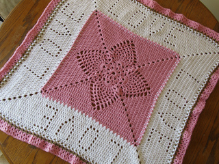 Pineapple_love_blanket_small2