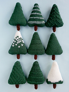 Knitting Pattern For Christmas Tree Lights : Ravelry: Christmas Trees pattern by Squibbly Bups