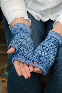 Quatrefoilmitts-2-3_small2