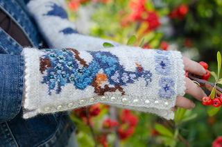 Peacockgauntlets-171_small2