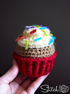 Free_crochet_cupcake_pattern_-_stitch11_small2