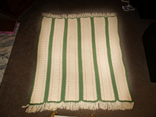 Marian_s_green___white_afghan_small2