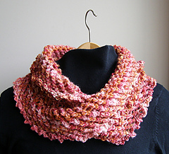 Free Knitting Pattern For A Mobius Scarf : Ravelry: Moebius Scarf pattern by Sunnyside Ellen