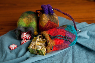 Little-entrelac-bags-2_small2