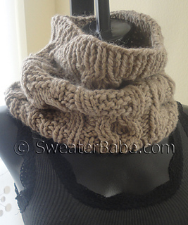 Chunky_cabled_cowl4_500_small2