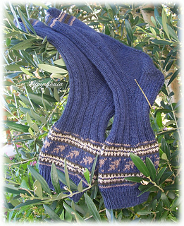 October_leaves_sock_2_small2
