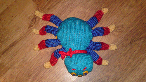 Knitting Pattern For Woolly The Spider : Ravelry: Woolly the Spider pattern by Hennies Nimbleneedles